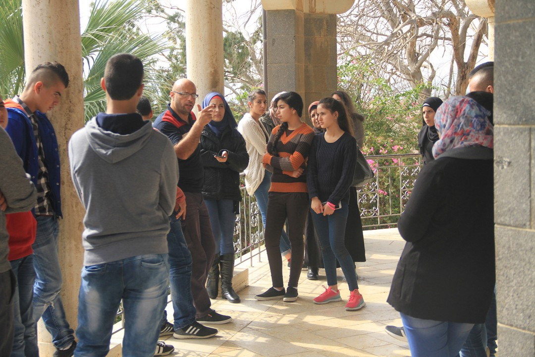 Within Jerusalem Ambassadors project  Burj Al-Luqluq Center organizes the first phase of the program: Al-Murshid Al-Safir for Jerusalem school students.