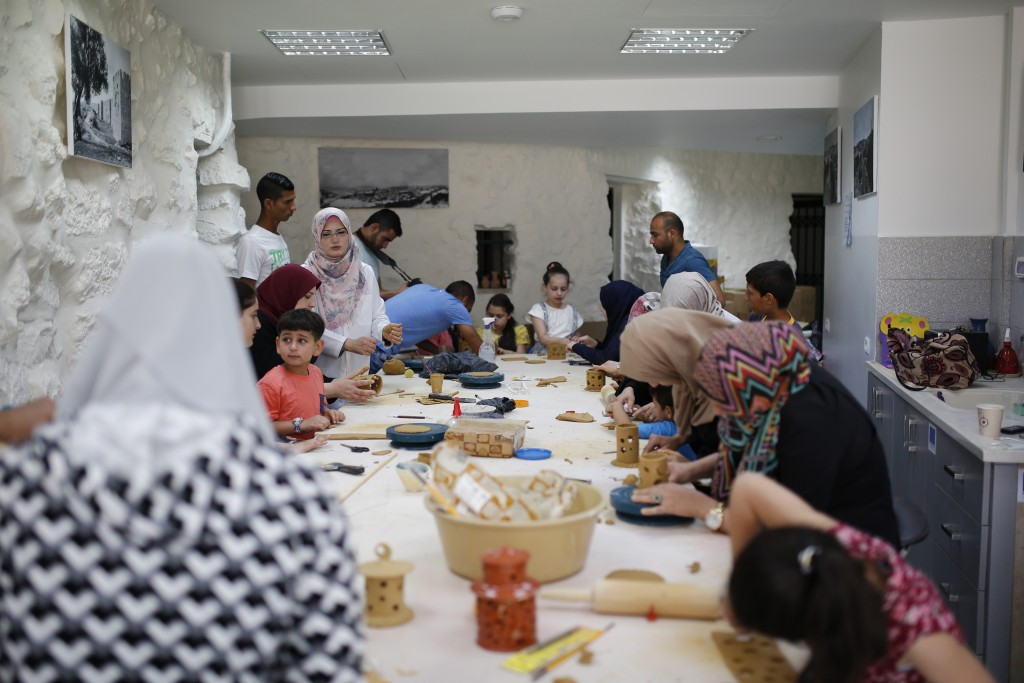 "Burj Al-Luqluq Organizes ""My Lantern is Made in Jerusalem"" Workshop 2"