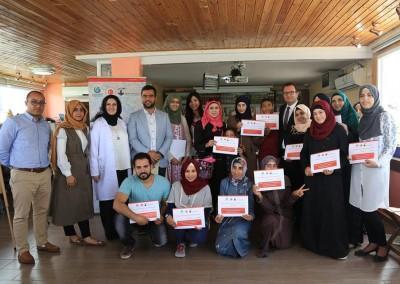 "Burj Al-Luqulq & the Turkish Cultural Center Organize a Water Marbling Art training course ""Ebru"""