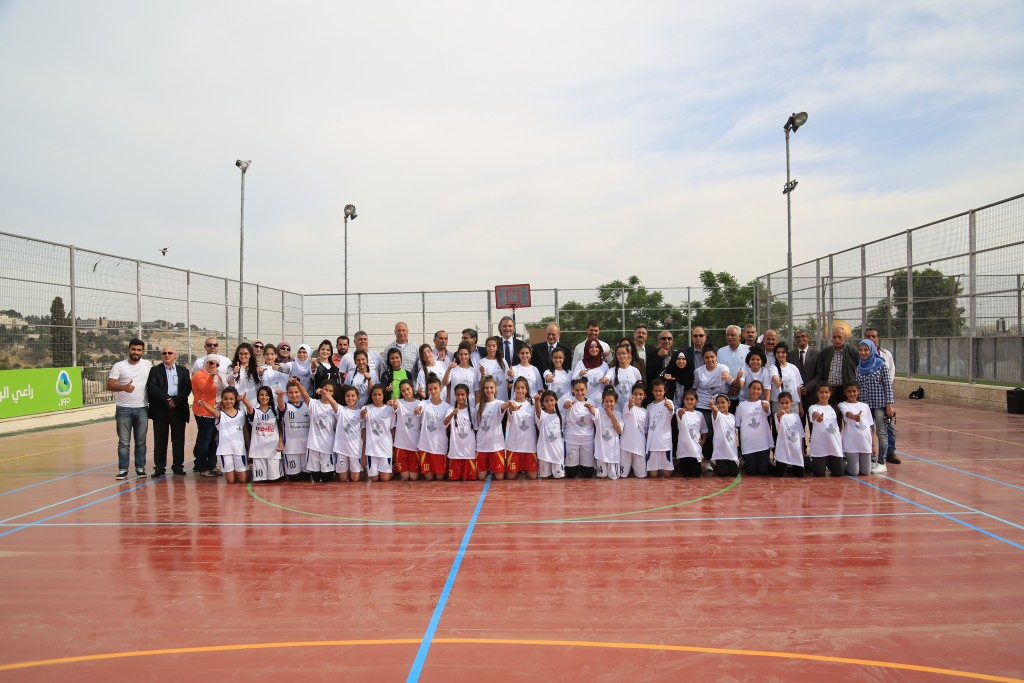 Burj AL-Luqluq Social Center Opens the Renovated Basketball Field