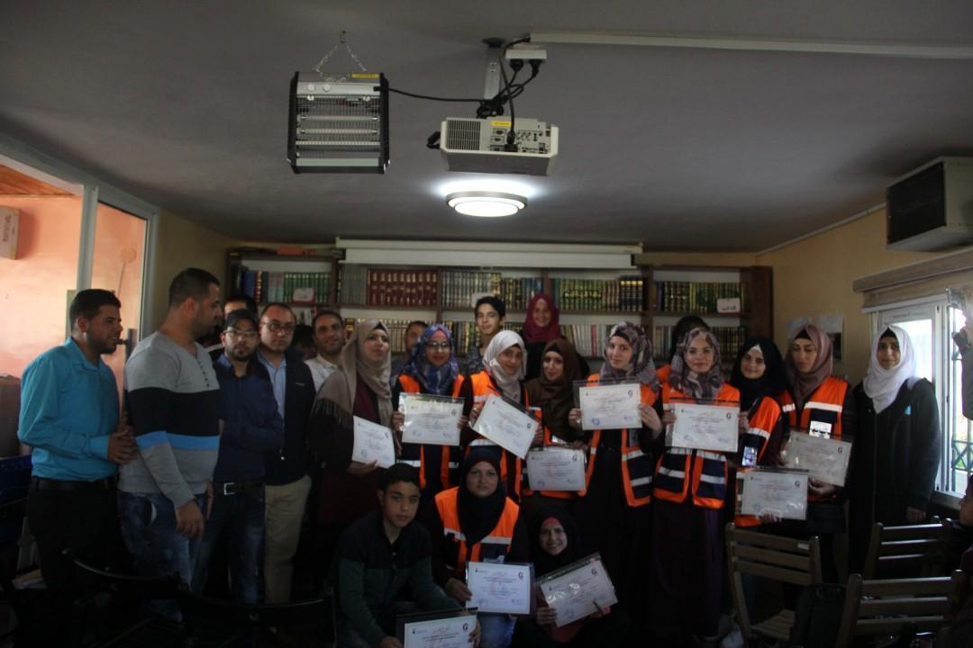 جمعية برج اللقلق تكرم متطوعين وحدة الإسعاف الاولي بالجمعية