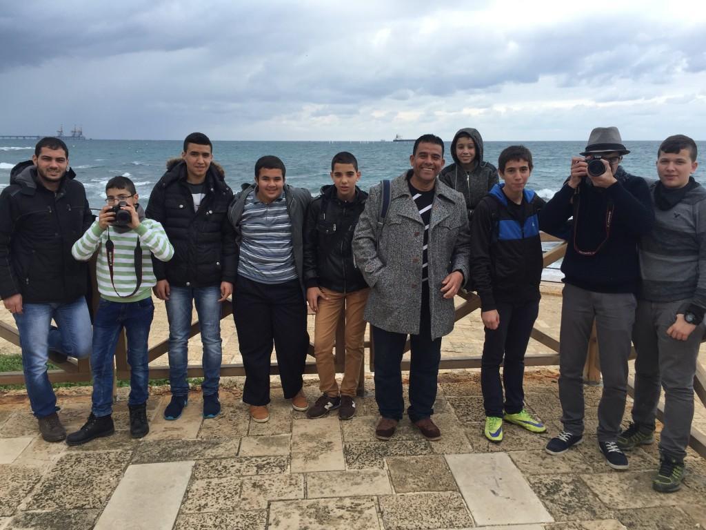 جمعية برج اللقلق تنظم جولة لبرنامج جذور الشبابي إلى قيسارية وحيفا