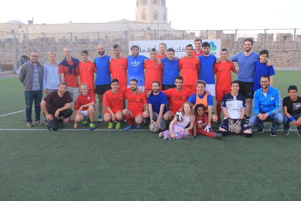 بهدف دعم فريق الجمعية المشارك في كأس الدنمارك جمعية برج اللقلق تنظم بطولة كأس العالم للمؤسسات الأجنبية