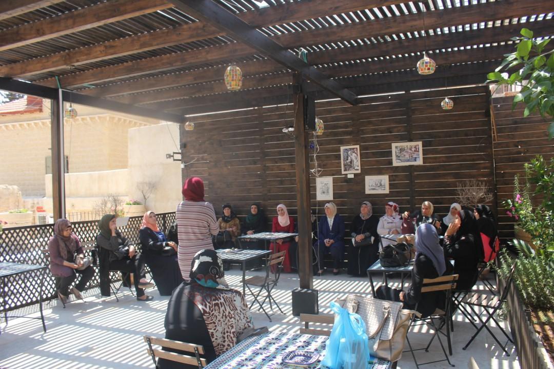 ضمن مشروع المخدرات في عيون الامهات والزوجات والأخوات المقدسيات برج اللقلق ينظم جولة الى جمعية العيزرية التعاونية للتنمية الريفية
