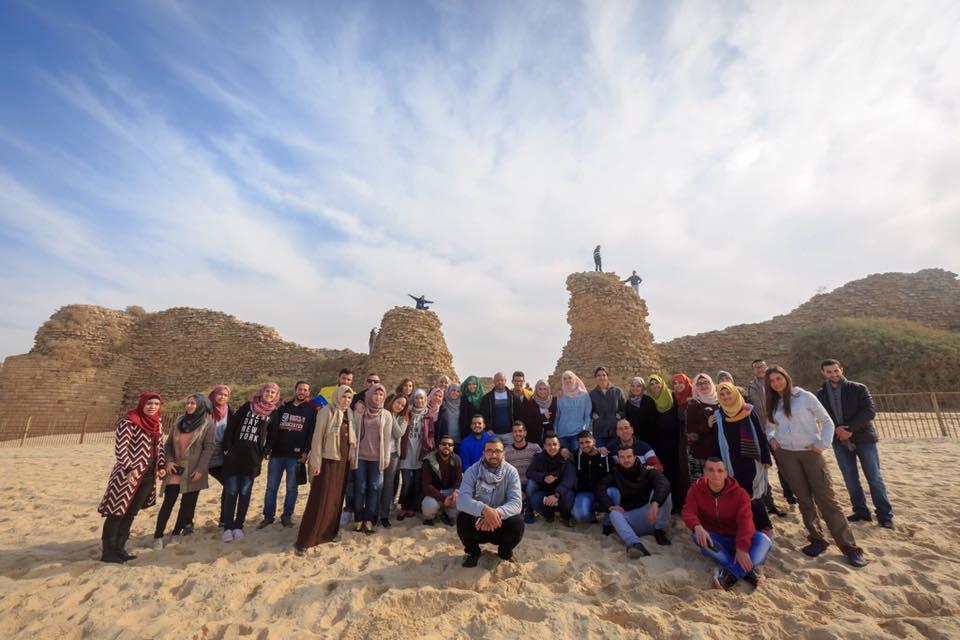 """جولة الى البحر الميت ومنطقة قمران ضمن مشروع عيش البرج """"المرشد الشاب 2"""""""