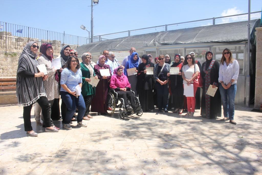 """برج اللقلق و """"أكاد"""" تفتتحان مشروعين لخدمة النساء المهمشات في القدس"""