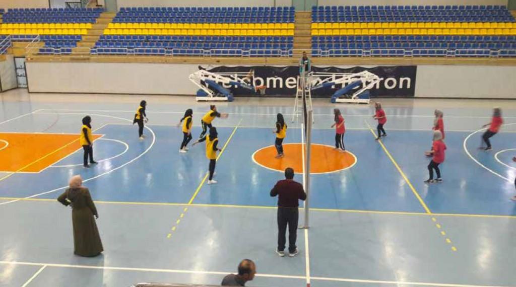 فتيات التربية بطل البطولة المركزية للمديريات بكرة الطائرة   ومنتخب معلمي التربية يصل لدور الثمانية