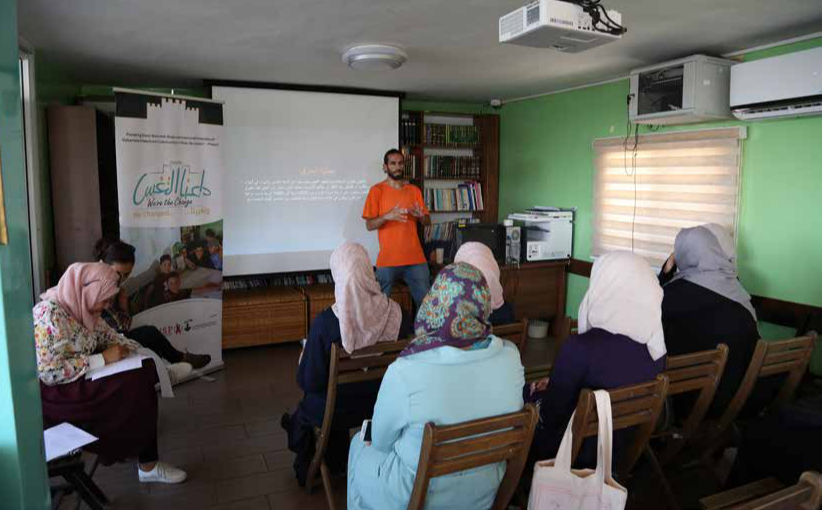 Burj Al-Luqluq organizes an Introductory Session to Ceramics
