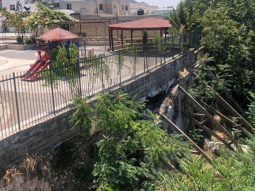 Burj Alluqluq Social Center Society Garden is still closed since 4 years  for how long?